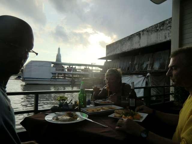 Essen vom Feinsten direkt am Wasser :-)
